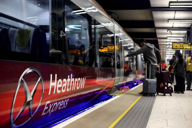 heathrowexpress1012a.jpg