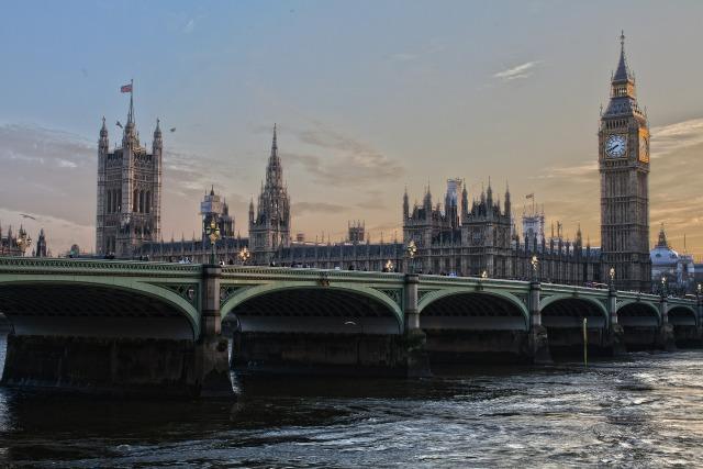 london-530055_1920.jpg